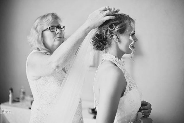 Getting ready. Elegant summer wedding at Laurel Creek Manor. Sunny day in Seattle, PNW with lot of green classic details
