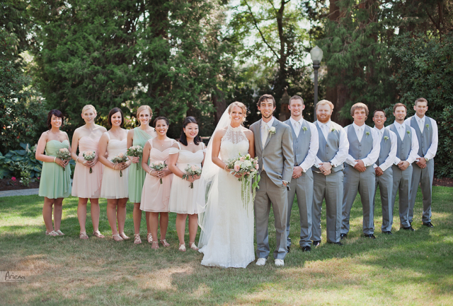 Bridal party photos. Elegant summer wedding at Laurel Creek Manor. Sunny day in Seattle, PNW with lot of green classic details
