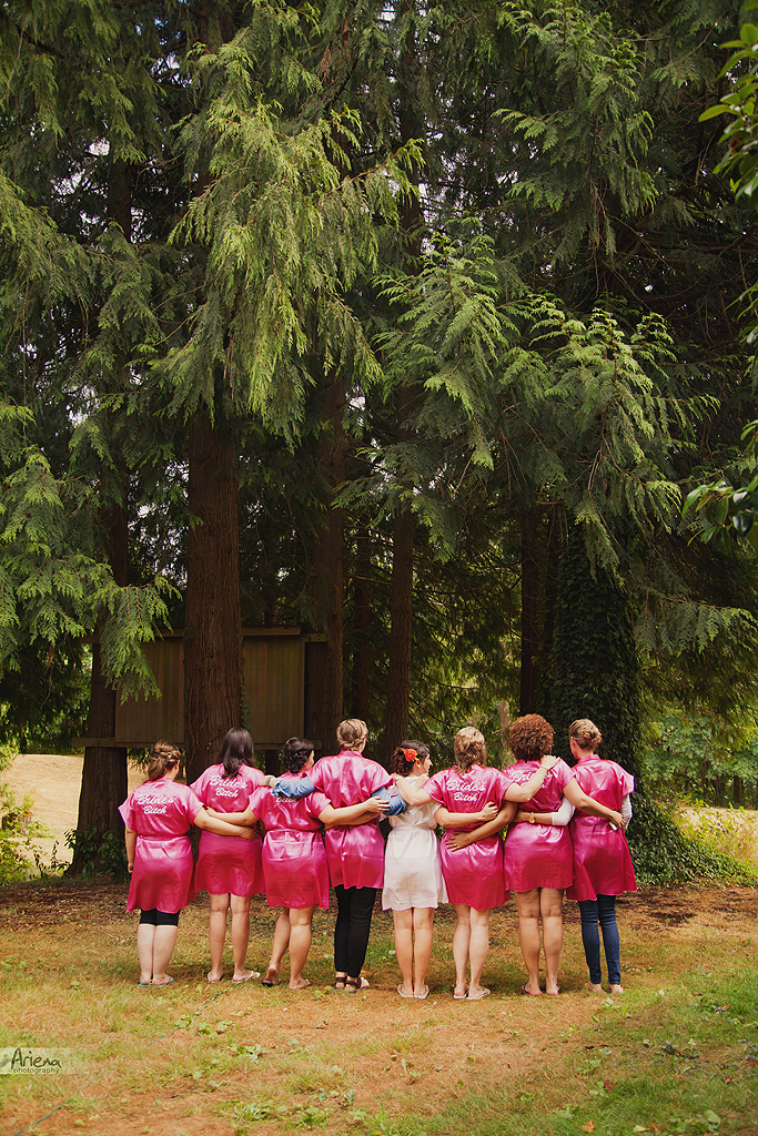 Backyard PNW wedding with Brazilian details. Multicolored bridesmaids and DIY details