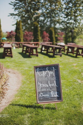 Boho wedding in Dairyland in spring. Sunny DIY wedding