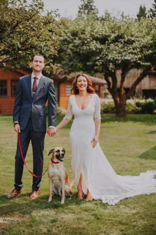 Red Cedar Farm elegant wedding. Sunny summer day on Bainbridge Island PNWRed Cedar Farm elegant wedding. Sunny summer day on Bainbridge Island PNWRed Cedar Farm elegant wedding. Sunny summer day on Bainbridge Island PNW