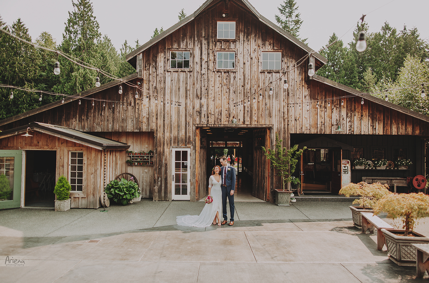 Red Cedar Farm elegant wedding. Sunny summer day on Bainbridge Island PNW