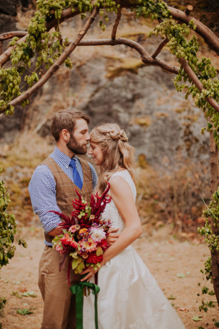 Amazing wedding in Skagit valley, vintage rustic style. DIY wedding