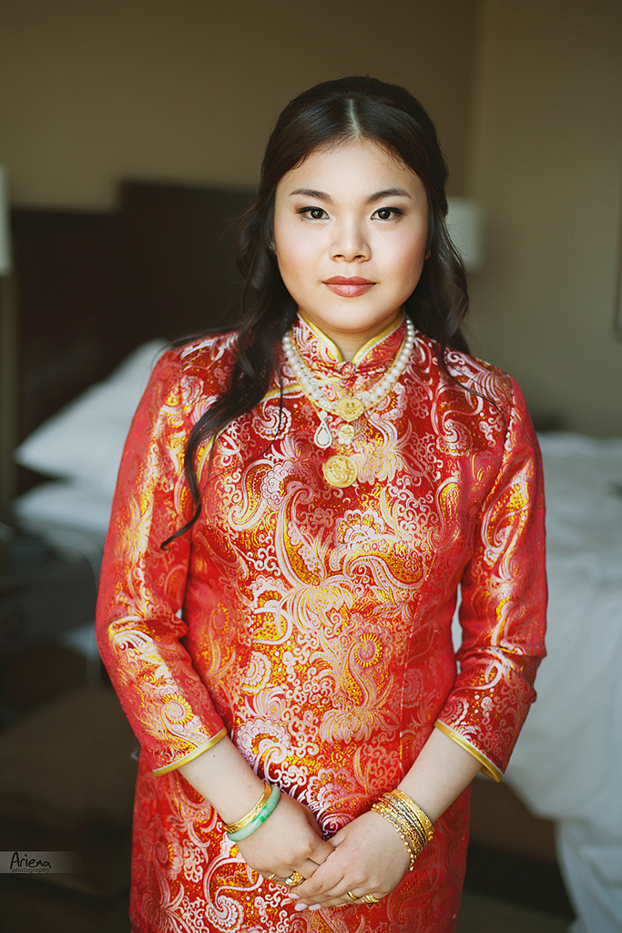 Chinese traditional wedding outfit, bride in red dress in Seattle